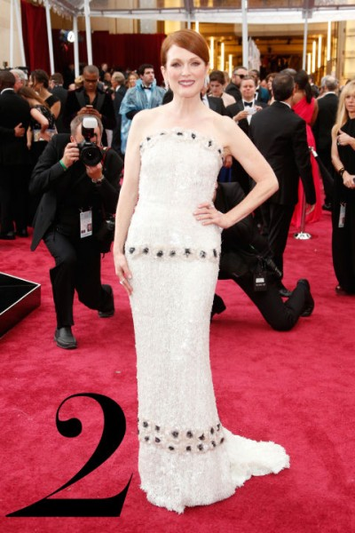 hbz-best-dressed-oscars-02-julianne-moore-copy