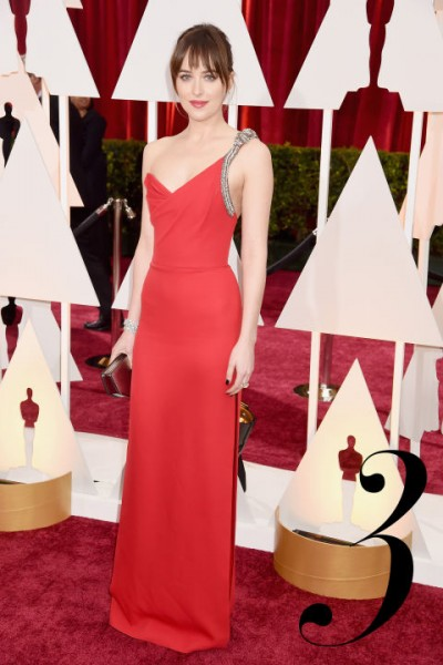 hbz-best-dressed-oscars-03-dakota-johnson-copy