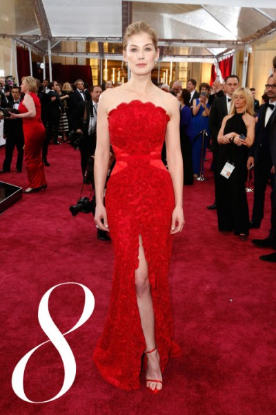 hbz-best-dressed-oscars-08-rosamund-pike-copy