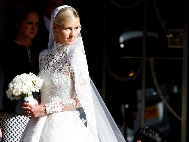 Nicky-Hilton-in-Valentino-per-il-matrimonio-con-James-Rothschild_image_ini_620x465_downonly